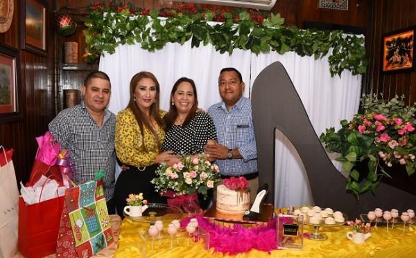 Luis Morales, Dina Toditos de Morales, Alicia y Ramón Figueroa
