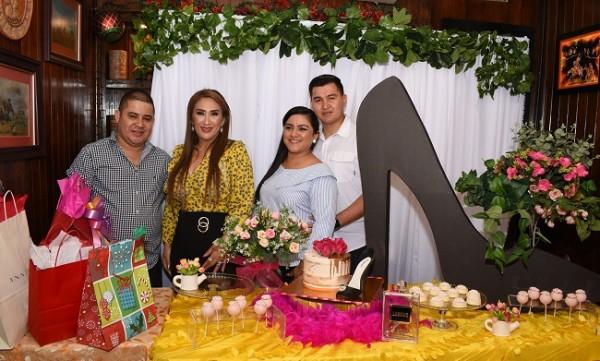 Luis Morales, Dina Toditos de Morales, Norma Molina y Wilmer Molina