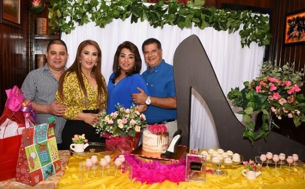 Luis Morales, Dina Toditos de Morales, Rossy y Luis Jeer