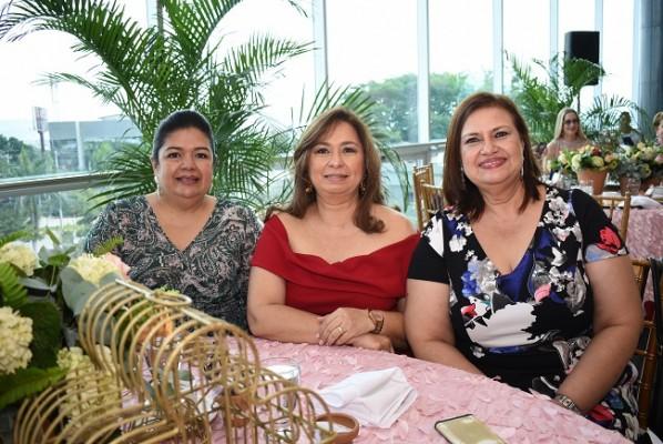 Maky Aguilar, Yocasta de Martínez y Arely Díaz