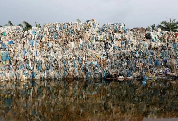 Malasia devuelve más de 3.700 toneladas de desechos a países desarrollados