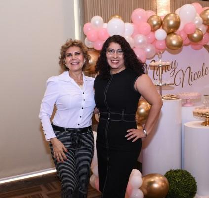 Marcia Canahuati y Selmira Kharufeh.