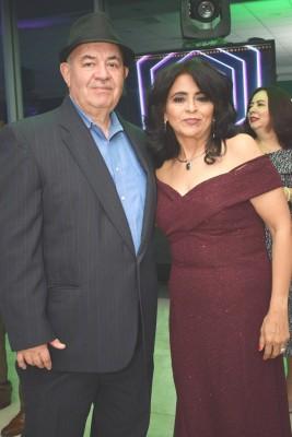 Mario Frech y María Teresa Mejía.
