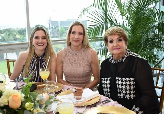 Michelle Wolozny, Maria Alicia de Wolozny y Gela de Wolozny