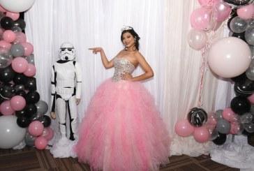 Con detalles de Star Wars protagoniza sus 15 años Mynelly Abril