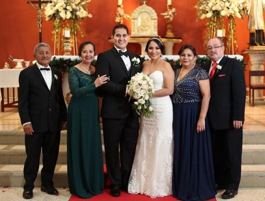 Raúl Rodríguez, Gloria Fuentez, Bryan Ortega, Mariela Aguilar, Olga Rodríguez y José Corrales.
