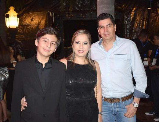Rodrigo Matta, Sandra Matta y Alejandro Matta.