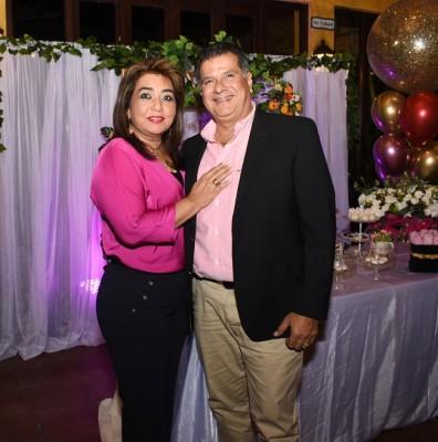 Rossy de Jeer y su esposo, Luis Jeer.