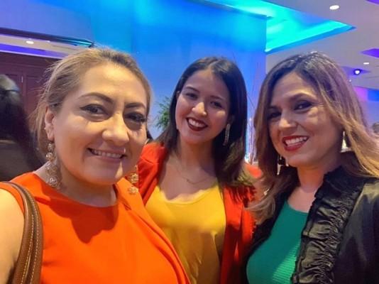 Sonia Mejía con Enma Bonilla y Wendy Pineda celebrando el Día de la Mujer en el Club Hondureño Árabe