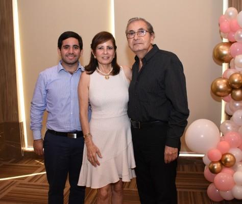 Tarek Jaar, Vivian y Selim Canahuati.