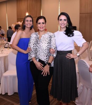 Victoria Kawar, Mishlin Cerrato y Ana Fattaleh