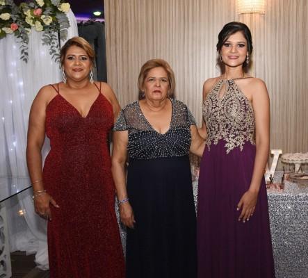 Waleska Reyes, Silvia Andino y Michelle Reyes