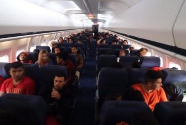 México comienza a retornar migrantes que iban en caravana hacia EEUU