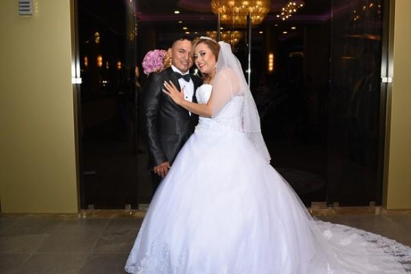 Aisha Ismel Blandon y Edwin Josue Ortega en su noche de bodas.