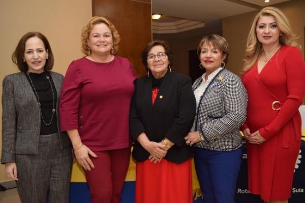 Alexa Foglia, Cecilia Wolozny, Carmen de Hernández, Santa Euceda y Laura Enamorado