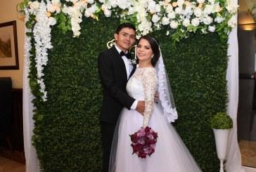 Elda y Arnold…una boda íntima e inolvidable