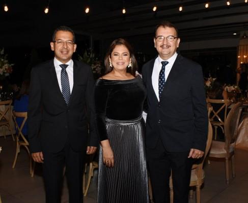 César García, Claudia y Gregorio Fernández