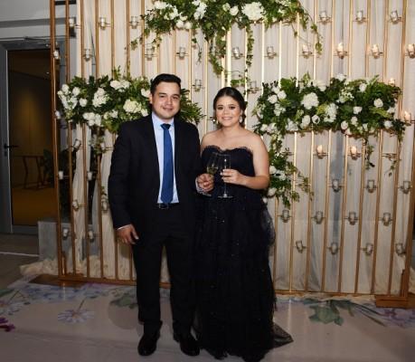 Carlos Alejandro Aguilar Torres y Cristel Mancía Rivera brindaron por su gran amor y unión matrimonial