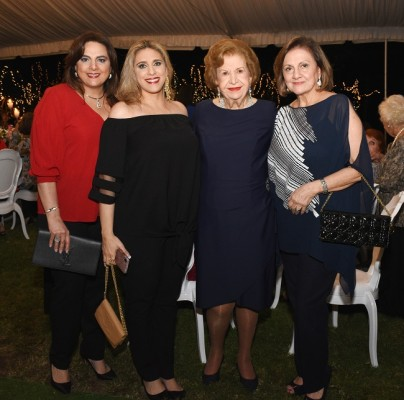 Carol Zummar, Lorena de Kattán, Julieta Kattán y Diana de Handal
