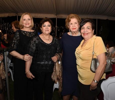 Claudia Bendaña de Kattán, Miriam Kattán, Julieta Kattán y Norma de Meraz
