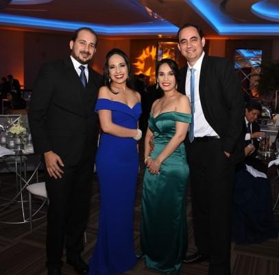 Daniel y Laura Calderón con Gabriela y Manuel Ochoa