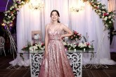 El glamour del rose gold en los XV años de Jennifer Abigail