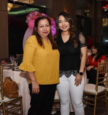 Dora Escalón y Karen Rivera