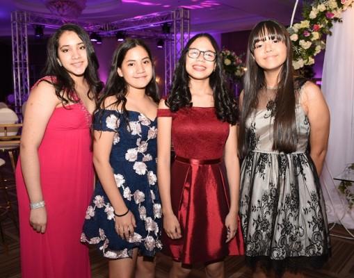 Fátima Hernández, Samantha Estrada, Andrea Dubois y Valeria Rodríguez
