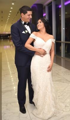 Jensy Maldonado y Marvin Román Castejón, disfrutaron de su viaje de luna de miel en un destino sorpresa para la novia.