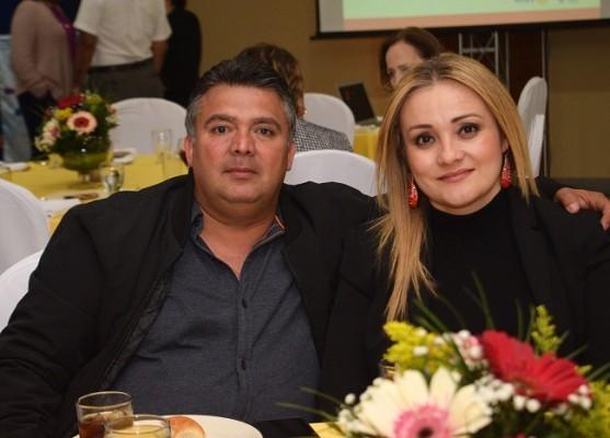 Juan Carlos Hernández y Carolina Martínez