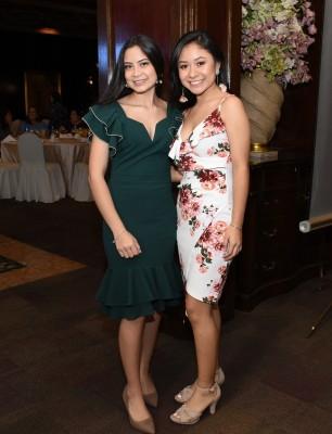 Karina Meraz y Emily García de la Saint Peter´s Academy
