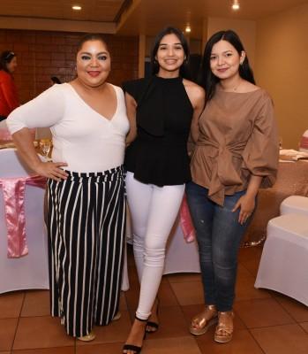 Karla Sampang, Marcela Reyes y Verenice Romero