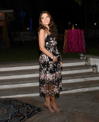 Leyla Faraj lució encantadora en su Senior Dinner XX