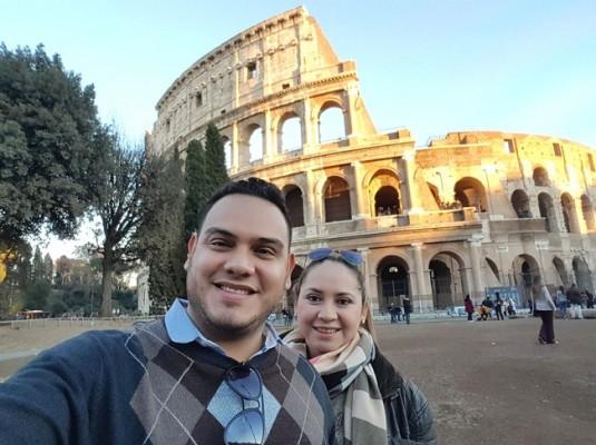 Los esposos Rodríguez-Lara en Roma...