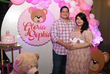 Un adorable baby shower para recibir a la bebita de los esposos Ríos-Girón