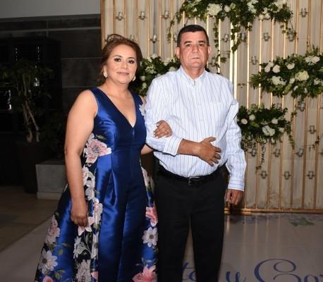 Los padres de la novia, Juan Ramón Mancía Muñoz y Carolina Rivera Polanco