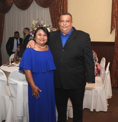 Los padres del novio, Geovanny Peralta y Mirian Núñez