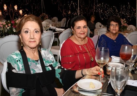 Margarita de Bográn, Waldina de Fernández y Marta Calix