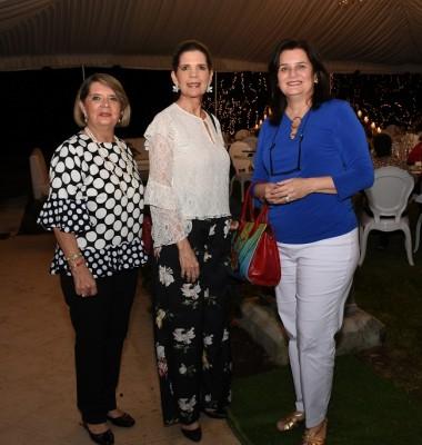 Margarita de Cuello, Victoria Pineda y Carmencita Larach