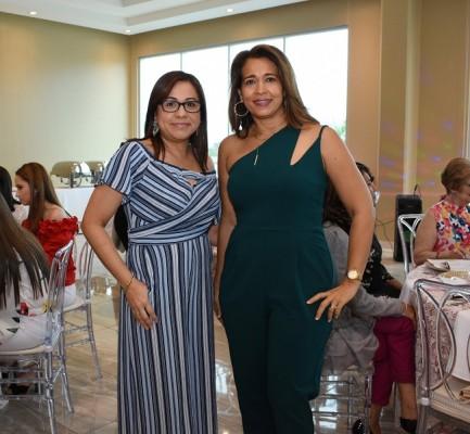 Mariela Hernández y Claudia de Naveda