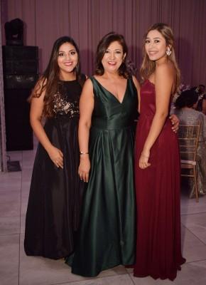 Michelle Arguelles, Mayra Arguelles y Daniela Arguelles.