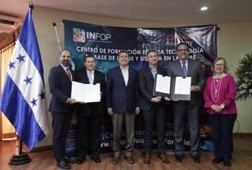 Jóvenes hondureños serán capacitados en tecnología de la información e innovación