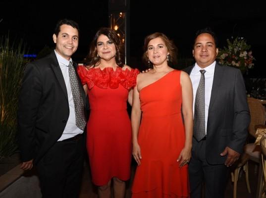 Roberto y Lidia Membreño, junto a Jenny y Alberto Torres
