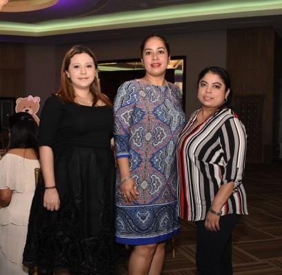Ruth Girón, Guadalupe Ramírez y Raquel Munguía