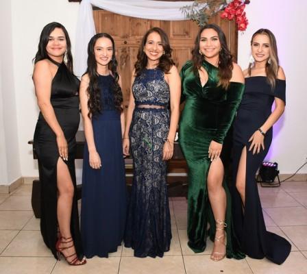 Nicolle Calix, Kensy Paz, Fernanda Zablah, Andrea Suazo y María Díaz