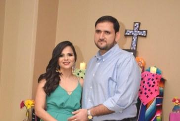 Elías Handal y Caroll Perelló despiden su soltería al puro estilo mexicano