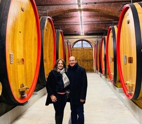 Una linda pareja la que forman María Elena Sikaffy y Armando López