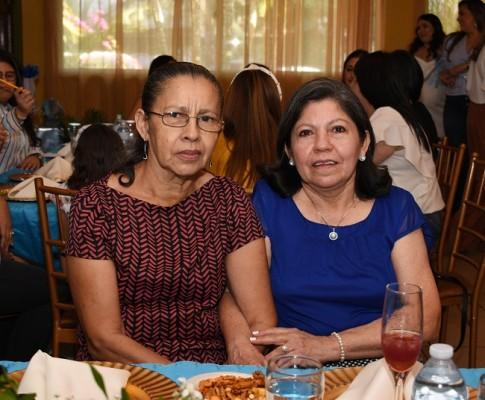 Vilma Cruz y María Vargas