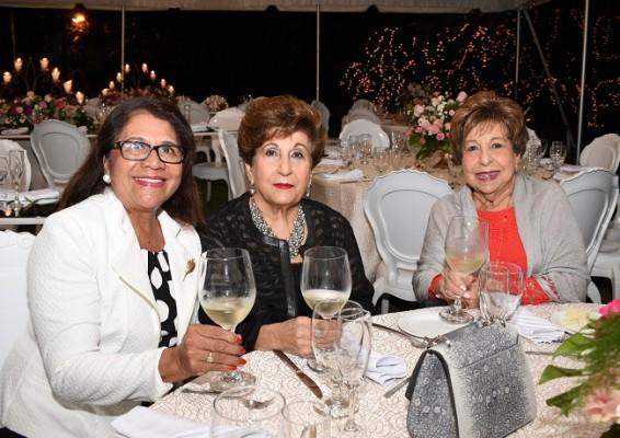 Vilma Karow, Lily Faraj y Maruca Faraj