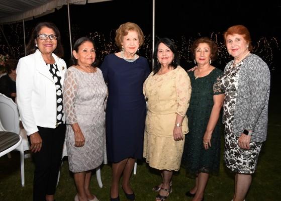 Vilma Karow, Sussy Moya, Julieta Kattán, Blanca Estela Rodríguez, Miriam Castellón y Mery Bendeck